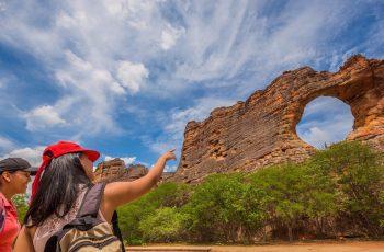 Serra da Capivara: desvende a cena de beijo mais antiga do mundo