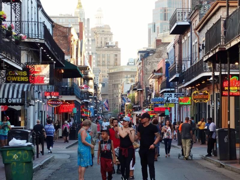 o que fazer em New Orleans - Bourbon Street New Orleans