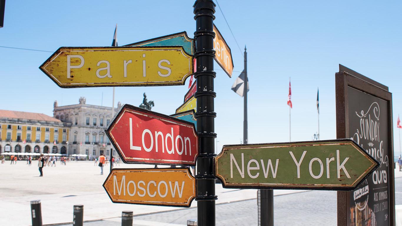 Dicas e destinos fascinantes para viajar com as amigas