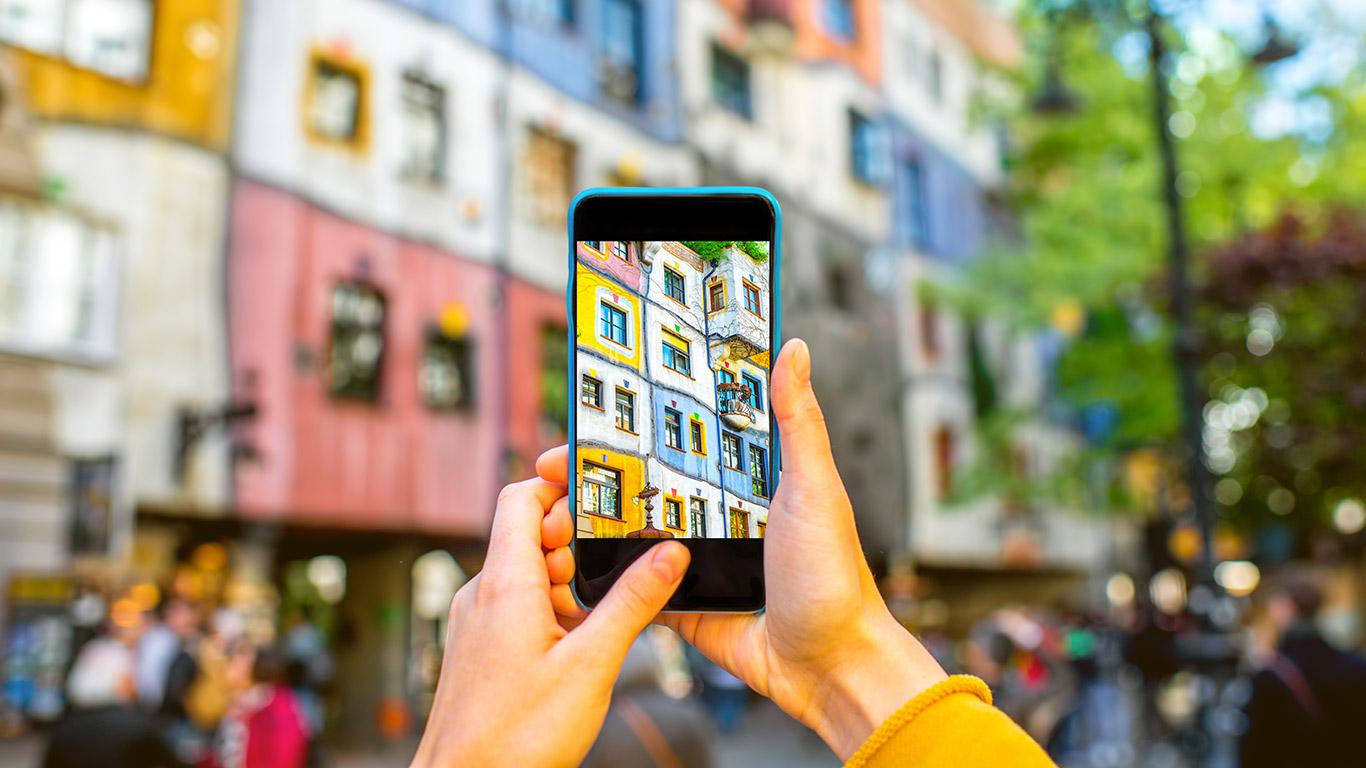 Dicas para tornar o smartphone um aliado na sua viagem