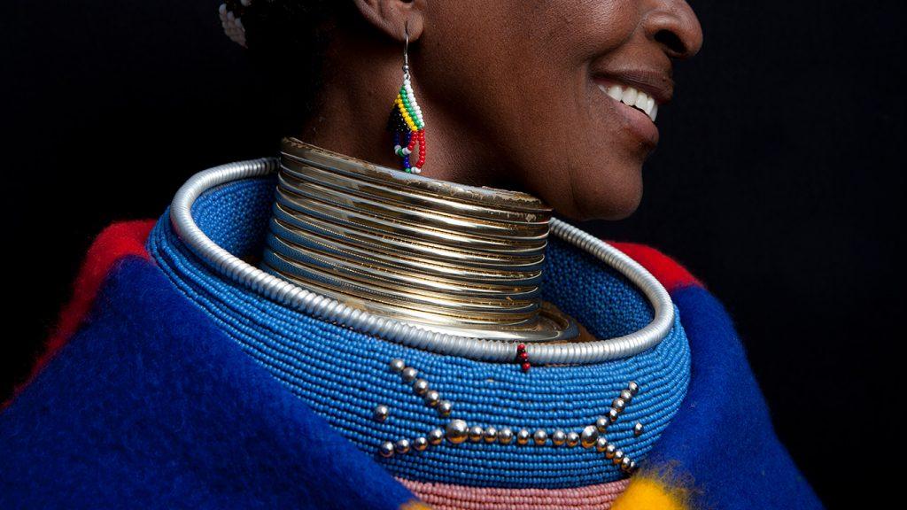 Viaje pelo mundo e conheça povos com tradições ancestrais